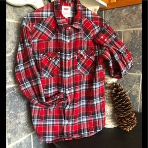 Women's Levi's red flannel shirt